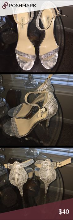 Steve Madden Heels Steve Madden Sequin 5 inch heels . Gently worn perfect for formal events . Steve Madden Shoes Heels