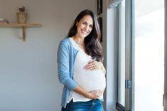 Phụ nữ giữa 20 tuổi và đầu những năm 30 tuổi luôn có sức khỏe tốt hơn để mang thai và sinh con và khả sinh sản ở phụ nữ bắt đầu suy giảm ở độ tuổi 30, mức độ suy giảm càng tăng lên ở 5 năm tiếp theo. Vì vậy những lo ngại […] Bài viết Nguy cơ tiềm ẩn việc sinh con muộn đã xuất hiện đầu tiên vào ngày Blog Thuốc Việt. Pregnancy After 40, Care During Pregnancy, Pcos Pregnancy, Pregnant At 40, Getting Pregnant, Webster Technique, Retroverted Uterus, Beyonce, Fetal Movement
