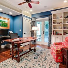 This space has everything needed for a comfortable home office.  Interior design by @leerobinsoncompany #RamageCompany #Home #DreamHome #NewConstruction #Architecture #InteriorDesign #Decor #HomeDecor #HomeDesign #Instahome #LouisvilleLove #IgersLouisville #TraditionalHome #HomeOffice #WorkingFromHome #FrenchDoors