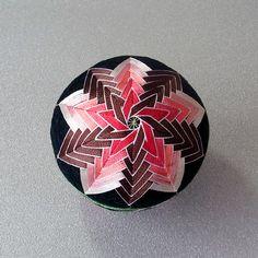 Temari: simple 10 division - hoshi - two stars interlocking