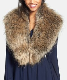 Trending for fall | Oversized faux fur collar