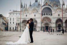 Sesja ślubna w Wenecji - Outdoor Photo Session in Venice Wedding Dresses, Fashion, Fotografia, Bride Dresses, Moda, Bridal Gowns, Fashion Styles, Wedding Dressses