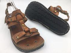 0b923e907999 Vintage 1970s Brown Leather Tire Tread Hippie Rivet Mens Sandals size 9 9.5  E0