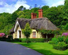 Hello Ireland -  County Kerry/Kilarny - such a cute house