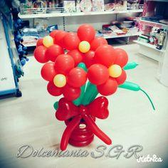 #dolcemania #palloncini #puglia #sangiovannirotondo #gargano #italia #italy #foggia #balloonart #fiore #fiori #flower #flowers #red #rosso #margherita #allestimenti #festa #laurea #party #regalo