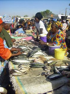 Village des pêcheurs à Mbour au Sénégal.