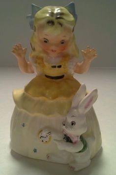 1956-RARE-VINTAGE-NAPCO-034-Alice-in-Wonderland-along-with-Mr-Rabbit-Japan-A1492B