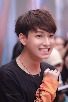 Boyfriend Photos, P Wave, Cute Gay Couples, Thai Drama, Cute Actors, Future Husband, Great Pictures, Thailand, Superstar