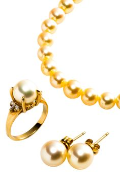 18K Yellow Gold 6.5-9mm Freshwater Pearl & Diamond Necklace, Earrings & Estate Ring Set