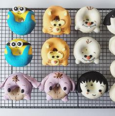 Missing my donuts already.⠀ ⠀ ⠀ ⠀ Customised character for lovely ✈️✈️⠀ ⠀ Just let everyone know that I will be start baking on my day off again! Yay⠀ But not too sure which date I'm gonna be doing it so. Fancy Donuts, Mini Doughnuts, Cute Donuts, Baked Donuts, Delicious Donuts, Delicious Desserts, White Chocolate Brownies, Food Film, Doughnut Shop