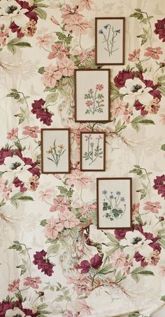 Large floral print wallpaper and stitched flowers in frames. Fabric Wallpaper, Wall Wallpaper, Modern Wallpaper, Vintage Embroidery, Embroidery Patterns, Floral Wall, Floral Prints, Botanical Prints, Ivy House