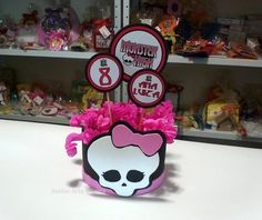 Enfeite Monster High  #MonsterHigh #festainfantil http://www.atelierarteefesta.com.br