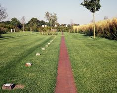 The park network forms the connection between the cemetery and its surroundings, and in between the different 'grave chambers'. The entrances to the cemetery Front Gardens, Corten Steel, Parcs, Contemporary Landscape, Land Art, Landscape Architecture, Lawn, Dolores Park, Sidewalk