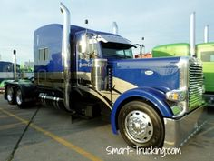 Hot Peterbilt 389 Show Truck, Trucker's Jamboree, Walcott, IA, 2013.