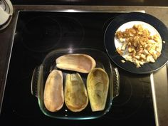 Essen 1: gefüllte Auberginen und die mussten erst ausgehöhlt werden...