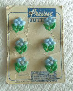 6 Vintage Realistic Blue FLOWER Prevue Buttons ORIGINAL CARD