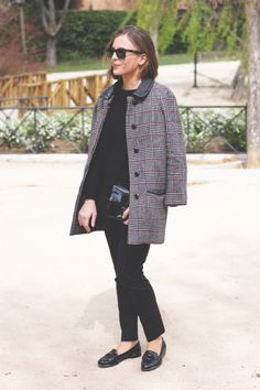 Sandro Coat, The Kooples sweater and trousers, Miu Miu Loafers, Reed Krakoff bag Casual Street Style, Preppy Style, Street Chic, Casual Chic, Edgy Outfits, Classic Outfits, My Outfit, Coats For Women, Autumn Winter Fashion