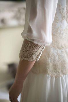 Detalle de manga del vestido de nuestra novia María, realizado por Teresa Palazuelo. http://teresapalazuelo.com/BLOG/la-boda-de-maria/