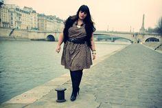 robe Inspire Zig zag : http://www.newlook.com/fr/shop/femme/inspire-to-tailles-46-au-54/inspire-robe-zig-zag_244823709