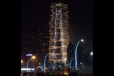 Dubai rings in 2017 with dazzling display of fireworks  Dubai rings in 2017 with dazzling display of fireworks ..... Read more:  http://dxbplanet.com/dxbimages/?p=1850    #Uncategorized #Dubai #DXB #MyDubai #DXBplanet #LoveDubai #UAE #دبي