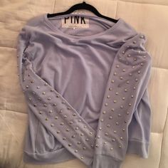 Pink by victoria secret sweatshirt Adorable lavender thin sweatshirt. It has a very loose fit and can be off the shoulder if you want it to be. Worn only once! Anazing sweatshirt PINK Victoria's Secret Sweaters