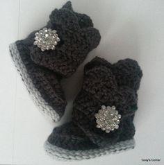 Wraparound Crochet Baby Boot 06 months by cosyscorner on Etsy, $18.50