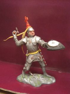 BRITAINS SWOPPET WAR OF THE ROSES KNIGHT AXE NO VISOR 54mm PLASTIC TOY SOLDIERS…