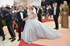 On Monday, Claire Danes turned a lot of heads when she showed up to the Met Gala in an incredible Cinderella-esque ball gown. | Here's A Closer Look At The Incredible Dress Claire Danes Wore To The Met Gala