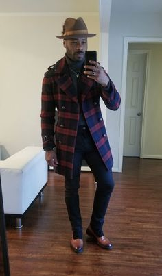 Mens Winter Clothes, Winter Outfits Men, Mens Fashion Suits, Men's Fashion, Black Men Street Fashion, Men Style Tips, Well Dressed Men, Gentleman Style, Men Looks