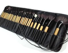32 Piece Black Make up Brush Set - Brushes for Eyes, Foundation, Highlights, Contours and more - Perfect for Home use or by an MUA - Made with Goat Hair, Science Purchase ® - Total of 32 brushes for f