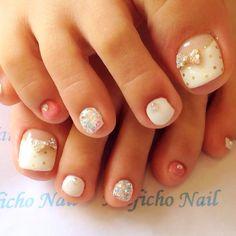 White-Gold Toe Nail art #nailbook