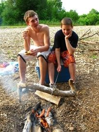 Kid-friendly Camping Recipes - General: Travel tips for vacationing with kids | kids travel tips | kids activities tips - Trekaroo