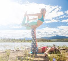 teeki love with amelia travis and britta rael during Stoked Yogi SUP Yoga certification in Colorado savannah-wishart-stoked-yogi-sup-teacher-training-colorado-photography-9