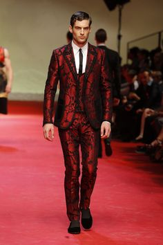 Red suite with baroque embroidery - Dolce and Gabbana SS15 (analogue Versaces FW14 collection?)