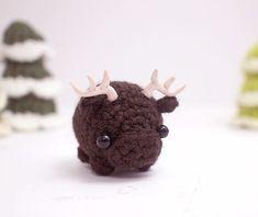 crochet moose stuffed animal amigurumi by mohustore on Etsy Crochet Kawaii, Cute Crochet, Crochet Crafts, Crochet Toys, Crochet Baby, Crochet Projects, Doilies Crochet, Crochet Animal Amigurumi, Crochet Animal Patterns