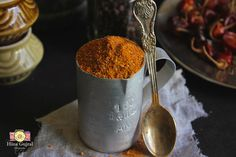 Homemade Rasam Powder is an essential spice mix in the South Indian Cuisine usually used to spike up the flavor of rasam. Rasam is a South Indian soup, traditionally prepared using tamarind juice… Indian Soup, Indian Dishes, Kitchen King, Good Food, Yummy Food, Fun Food, Delicious Recipes, Tomato Rasam, Tamarind Juice