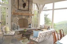 Mountain house decor with sweeping views! eclecticallyvintage.com
