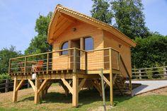 Jaya : Une cabane en bois sur pilotis à Coudray-Rabut (Deauville à 5 minutes) (Calvados -Normandie) http://www.gites-de-france-normandie.com/location-vacances-Cabane-En-Bois-a-Coudray-rabut-Calvados-gites14_b2014.1.2487.G.html