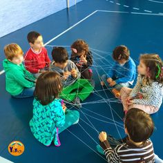 "YaiYoga: Clase de yoga con ""El monstruo de colores"" Spanish Activities, Brain Activities, Activities For Kids, Pe Lessons, English Lessons, Pilates, Social Emotional Learning, Gross Motor Skills, Yoga For Kids"