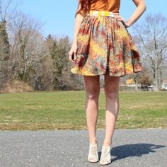 Sewing tutorial shows you how to make this high waist, gathered skirt. Perfect for Spring!