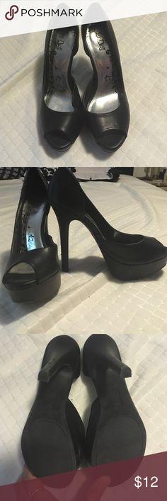 Black Fux leather heels Size 8 1/2 4 inch heels Brash Brand Shoes Heels