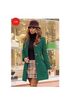 #PromotiaZilei Palton Bella -19% Reducere  290Lei  🔶 10% Reducere la plata cu cardul 🚘 Transport Gratis la 2 produse comandate  Palton dama verde scurt cambrat din stofa Bella  ✅ realizat din stofa cu 20% lana  – ține de cald ✅ usor de asortat ✅ lungime palton: 90 cm; maneca: 60-62 cm ✅ captuseala matlasata- poate fi purtat si iarna Blazer, Superhero, Jackets, Women, Fashion, Silver, Down Jackets, Moda, Fashion Styles