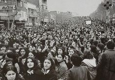 """@HistoryInPics: """"Women protesting the forced Hijab in Iran, days after the 1979 Revolution."""" Women rights, Iran"""