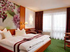 Komfortable Zimmer im Wanderhotel Kirchner in Bramberg Edelweiss, Bed, Room, Furniture, Home Decor, Single Bedroom, Summer Vacations, Bedroom, Decoration Home