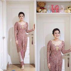 Ideas For Wedding Dresses Simple Modern Bridesmaid Kebaya Muslim, Kebaya Modern Hijab, Model Kebaya Modern, Kebaya Hijab, Kebaya Brokat, Dress Brokat, Kebaya Dress, Batik Kebaya, Kebaya Bali