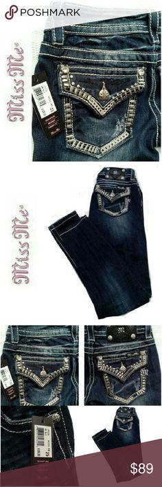 "MISS ME SKINNY JEANS  BNWT MISS ME SKINNY JEANS *.  DARK BLUE DK 295 *.  STYLE NO JP63195 *.  98% COTTON / 2% ELASTANE *.  WAIST 25"" L 31"" Miss Me Jeans Skinny"
