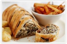 Nut wellington vegetarian loaf recipe - The Co-operative recipes >> Christmas dinner = sorted -- replace egg with flax egg to make vegan Xmas Food, Christmas Cooking, Vegetarian Dinners, Vegetarian Recipes, Vegan Recepies, Vegetarian Protein, Loaf Recipes, Cooking Recipes, Protein Recipes