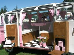 """okay the light pink is too much for this lady- and i consider myself a """"pink lady"""" but seriously- LOVE this VW bus. always dreamed of having one. VW Camper bus by Banphrionsa Vw Camper Bus, Vw Caravan, Kombi Motorhome, Camper Life, Interior Kombi, Interior Trailer, Interior Design, Volkswagen Bus Interior, Interior Decorating"""