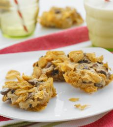 Crunchy Cornflake Cookies - An all time favourite cookie made special with the addition of milk chocolate chips. Great with a glass of milk.