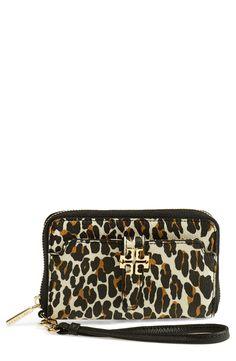Fierce leopard print! Love this smartphone wristlet.